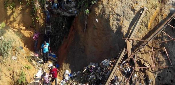 Les ponts d'infortune d'Abidjan