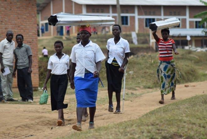 Kwigisha abana ku buntu: umugambi ubangamiye akanovera k'indero mu Burundi?