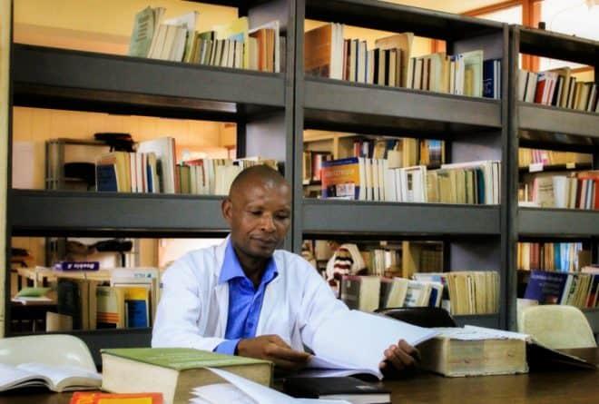 Thérence Nzeyimana, sur le point de devenir médecin… à 49 ans!